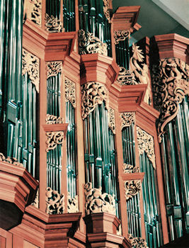 Pipe shade carvings, Fritts organ, Pacific Lutheran University in Tacoma
